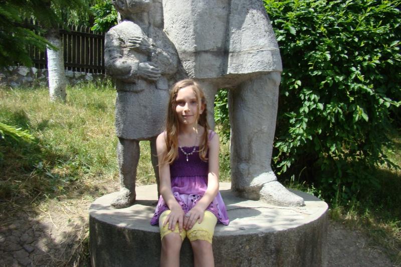 """Sărbătoarea Copilăriei-eveniment organizat de Asociatia Universul Prieteniei si Lansare de carte """"Printul Andrico""""-Adelina Ciocan-01 iunie 2011 Bojdea11"""