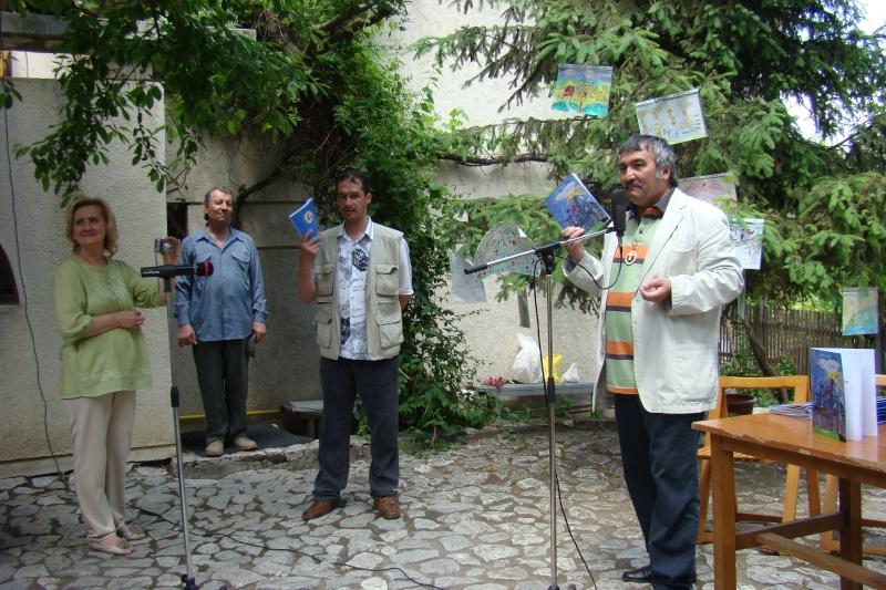 """Sărbătoarea Copilăriei-eveniment organizat de Asociatia Universul Prieteniei si Lansare de carte """"Printul Andrico""""-Adelina Ciocan-01 iunie 2011 Bojdea24"""