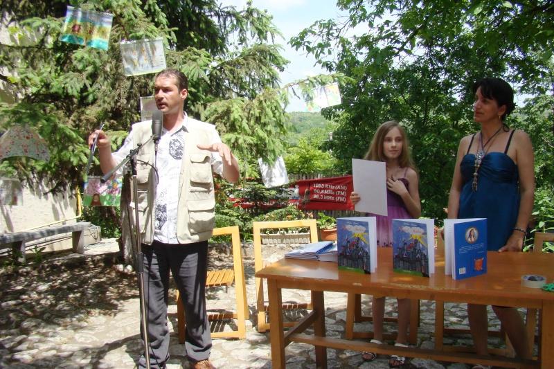 """Sărbătoarea Copilăriei-eveniment organizat de Asociatia Universul Prieteniei si Lansare de carte """"Printul Andrico""""-Adelina Ciocan-01 iunie 2011 Bojdea27"""