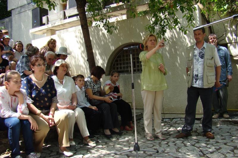 """Sărbătoarea Copilăriei-eveniment organizat de Asociatia Universul Prieteniei si Lansare de carte """"Printul Andrico""""-Adelina Ciocan-01 iunie 2011 Bojdea30"""