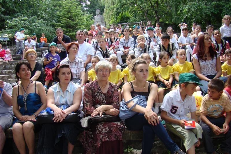 """Sărbătoarea Copilăriei-eveniment organizat de Asociatia Universul Prieteniei si Lansare de carte """"Printul Andrico""""-Adelina Ciocan-01 iunie 2011 Bojdea32"""