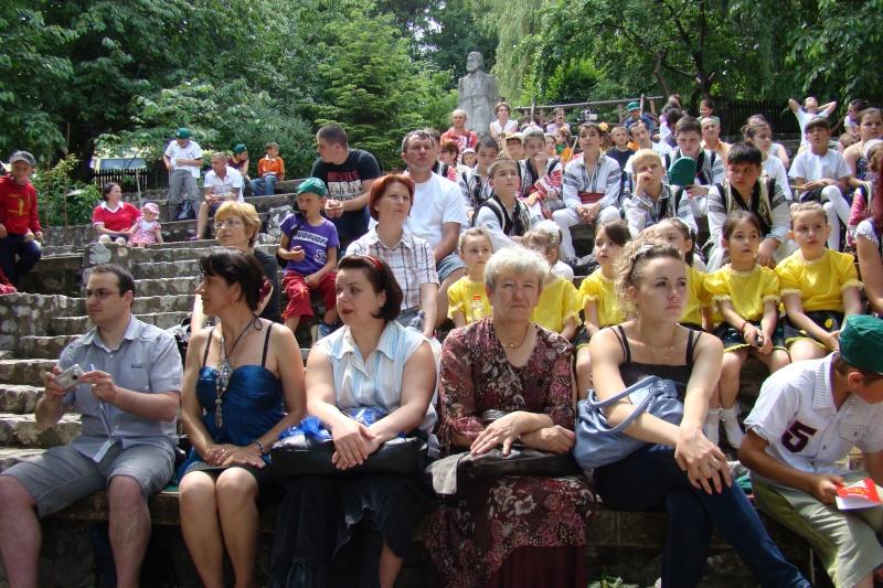 """Sărbătoarea Copilăriei-eveniment organizat de Asociatia Universul Prieteniei si Lansare de carte """"Printul Andrico""""-Adelina Ciocan-01 iunie 2011 Bojdea33"""