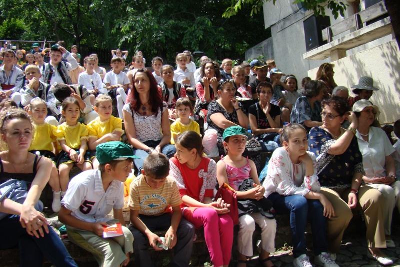 """Sărbătoarea Copilăriei-eveniment organizat de Asociatia Universul Prieteniei si Lansare de carte """"Printul Andrico""""-Adelina Ciocan-01 iunie 2011 Bojdea34"""