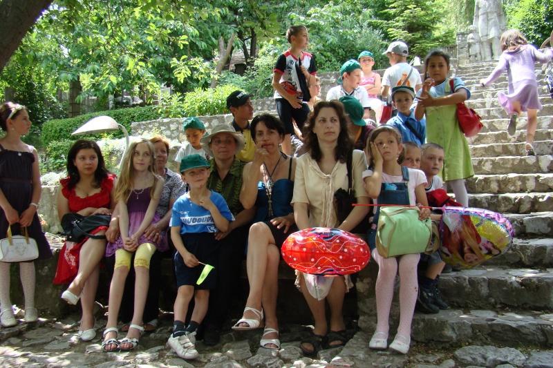 """Sărbătoarea Copilăriei-eveniment organizat de Asociatia Universul Prieteniei si Lansare de carte """"Printul Andrico""""-Adelina Ciocan-01 iunie 2011 Bojdea46"""