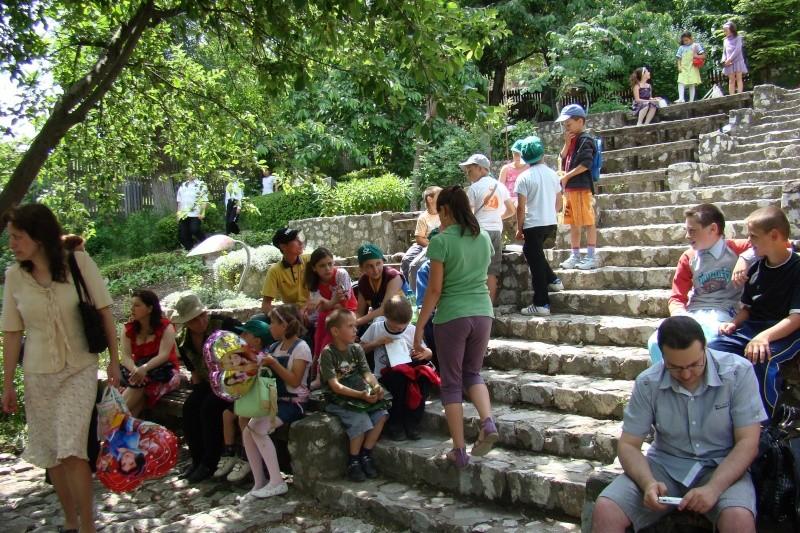 """Sărbătoarea Copilăriei-eveniment organizat de Asociatia Universul Prieteniei si Lansare de carte """"Printul Andrico""""-Adelina Ciocan-01 iunie 2011 Bojdea48"""