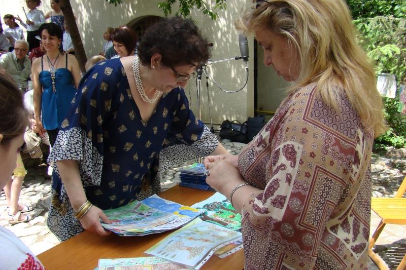 """Sărbătoarea Copilăriei-eveniment organizat de Asociatia Universul Prieteniei si Lansare de carte """"Printul Andrico""""-Adelina Ciocan-01 iunie 2011 Bojdea49"""