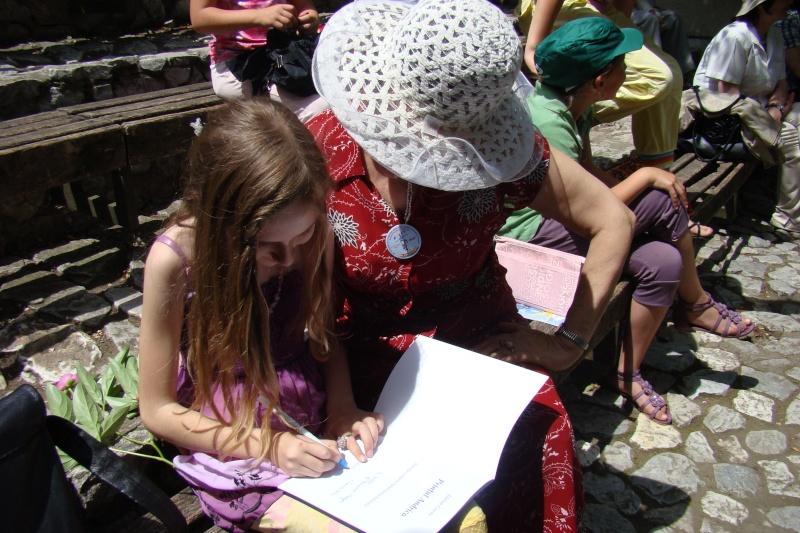 """Sărbătoarea Copilăriei-eveniment organizat de Asociatia Universul Prieteniei si Lansare de carte """"Printul Andrico""""-Adelina Ciocan-01 iunie 2011 Bojdea51"""
