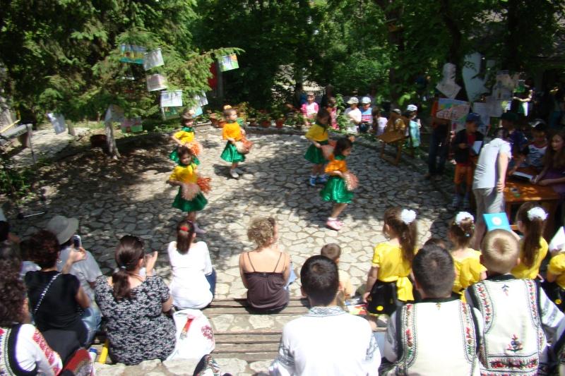 """Sărbătoarea Copilăriei-eveniment organizat de Asociatia Universul Prieteniei si Lansare de carte """"Printul Andrico""""-Adelina Ciocan-01 iunie 2011 Bojdea55"""