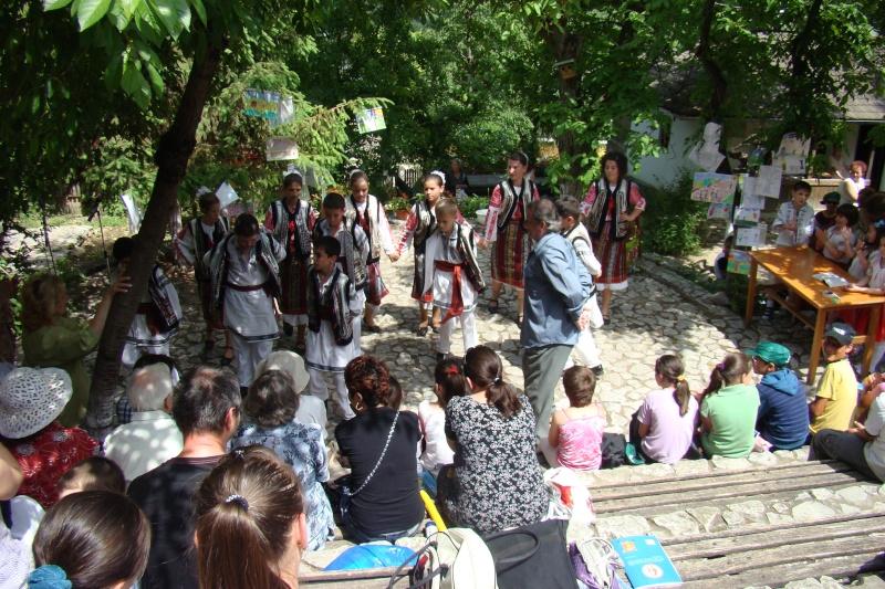 """Sărbătoarea Copilăriei-eveniment organizat de Asociatia Universul Prieteniei si Lansare de carte """"Printul Andrico""""-Adelina Ciocan-01 iunie 2011 Bojdea70"""