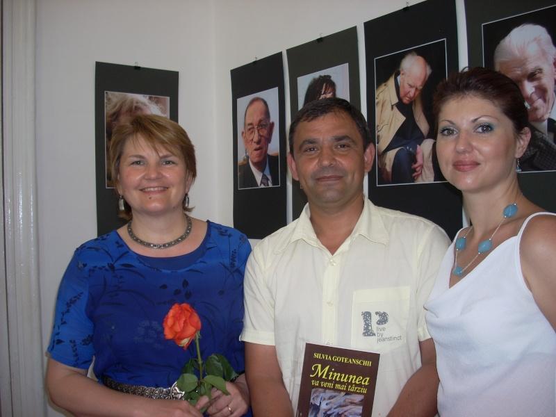 18 iunie 2011-Sedinta a XIV A Cenaclului U.P.-Lansare de carte Marioara Visan si Silvia Goteanschii,lectura publica Vasilian Dobos Cenac106