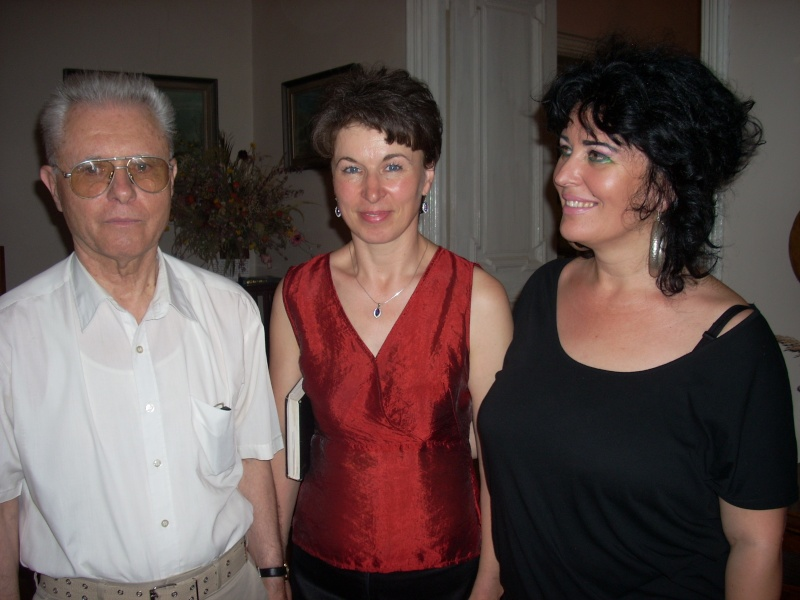 18 iunie 2011-Sedinta a XIV A Cenaclului U.P.-Lansare de carte Marioara Visan si Silvia Goteanschii,lectura publica Vasilian Dobos Cenac113