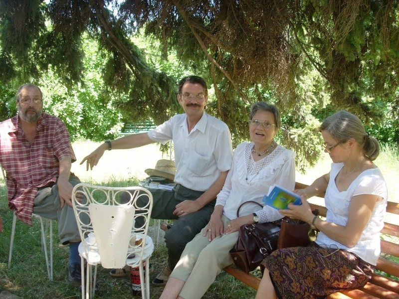 18 iunie 2011-Sedinta a XIV A Cenaclului U.P.-Lansare de carte Marioara Visan si Silvia Goteanschii,lectura publica Vasilian Dobos Cenac116