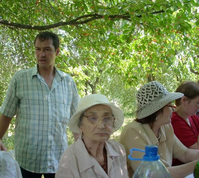 18 iunie 2011-Sedinta a XIV A Cenaclului U.P.-Lansare de carte Marioara Visan si Silvia Goteanschii,lectura publica Vasilian Dobos Cenac122