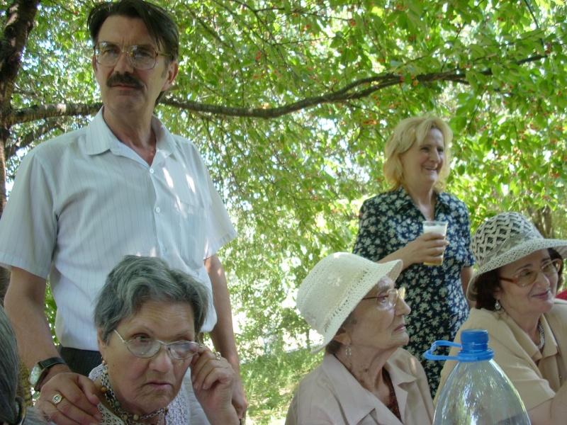 18 iunie 2011-Sedinta a XIV A Cenaclului U.P.-Lansare de carte Marioara Visan si Silvia Goteanschii,lectura publica Vasilian Dobos Cenac127