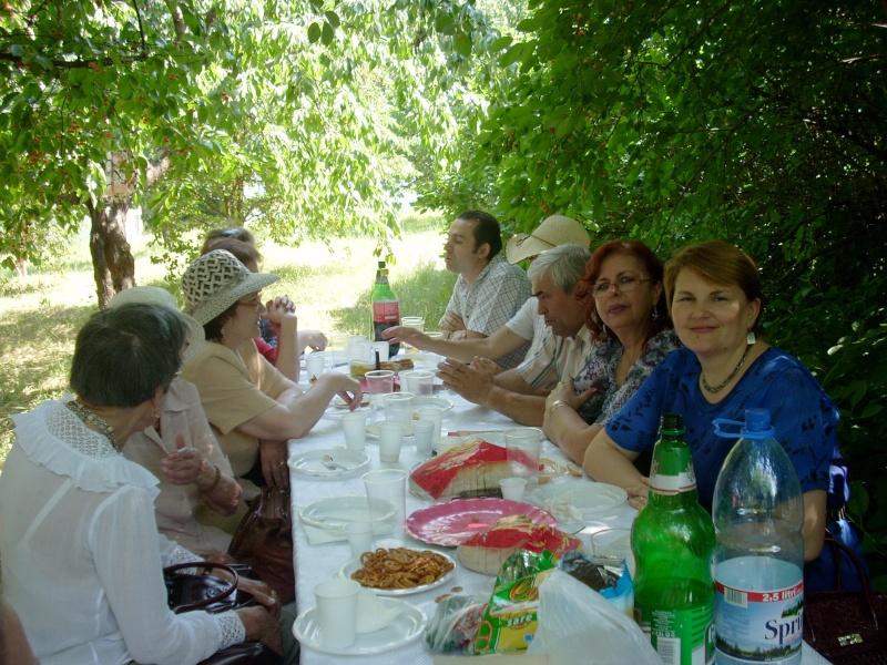 18 iunie 2011-Sedinta a XIV A Cenaclului U.P.-Lansare de carte Marioara Visan si Silvia Goteanschii,lectura publica Vasilian Dobos Cenac131
