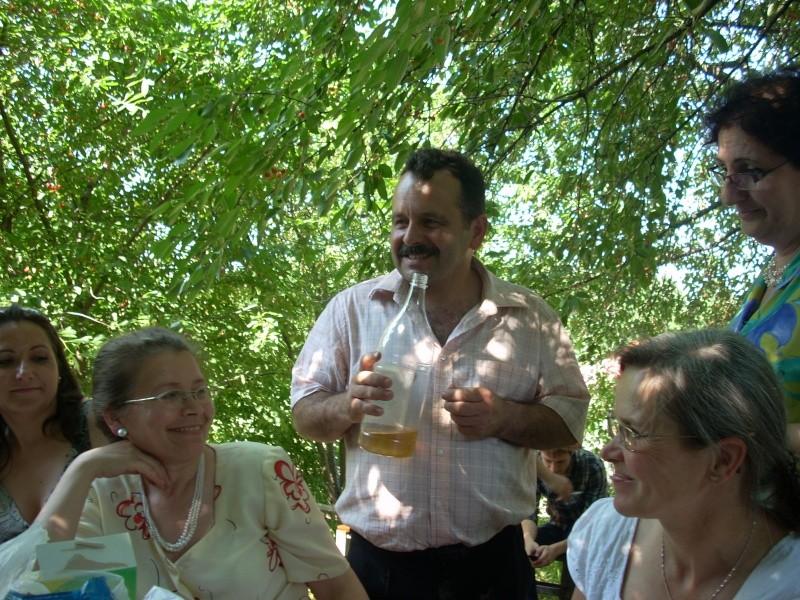 18 iunie 2011-Sedinta a XIV A Cenaclului U.P.-Lansare de carte Marioara Visan si Silvia Goteanschii,lectura publica Vasilian Dobos Cenac136