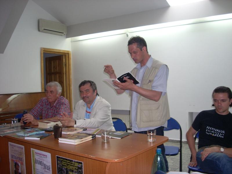Cenaclul Junimea Noua-Sedinta Nr 10.Lectura publica-Liviu Apetroaie-02 iunie 2011 Cenacl43