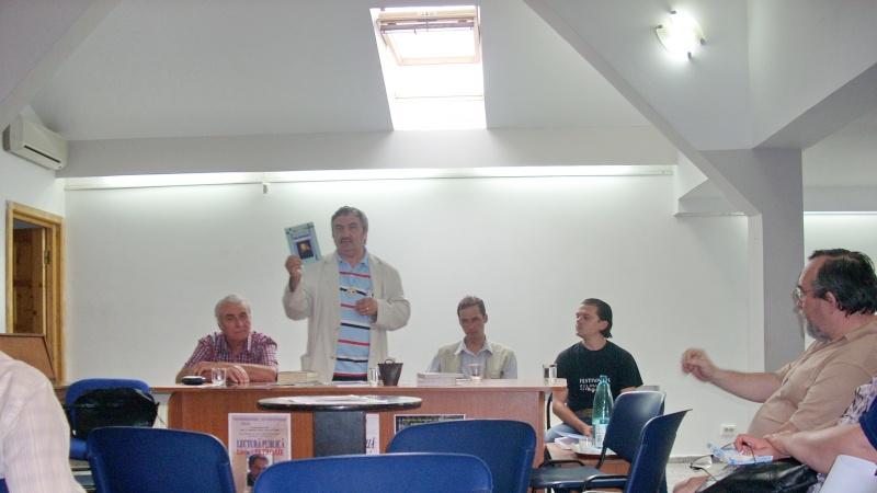 Cenaclul Junimea Noua-Sedinta Nr 10.Lectura publica-Liviu Apetroaie-02 iunie 2011 Cenacl44