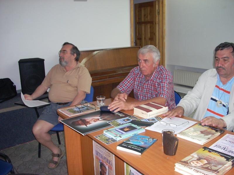 Cenaclul Junimea Noua-Sedinta Nr 10.Lectura publica-Liviu Apetroaie-02 iunie 2011 Cenacl45