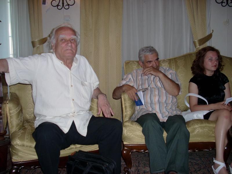 18 iunie 2011-Sedinta a XIV A Cenaclului U.P.-Lansare de carte Marioara Visan si Silvia Goteanschii,lectura publica Vasilian Dobos Cenacl68