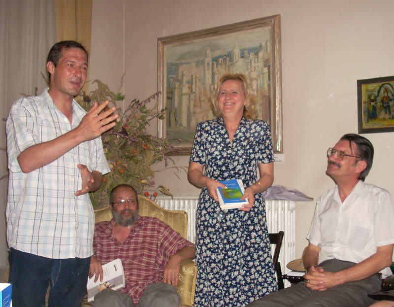 18 iunie 2011-Sedinta a XIV A Cenaclului U.P.-Lansare de carte Marioara Visan si Silvia Goteanschii,lectura publica Vasilian Dobos Cenacl69
