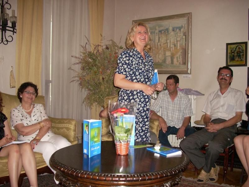18 iunie 2011-Sedinta a XIV A Cenaclului U.P.-Lansare de carte Marioara Visan si Silvia Goteanschii,lectura publica Vasilian Dobos Cenacl70