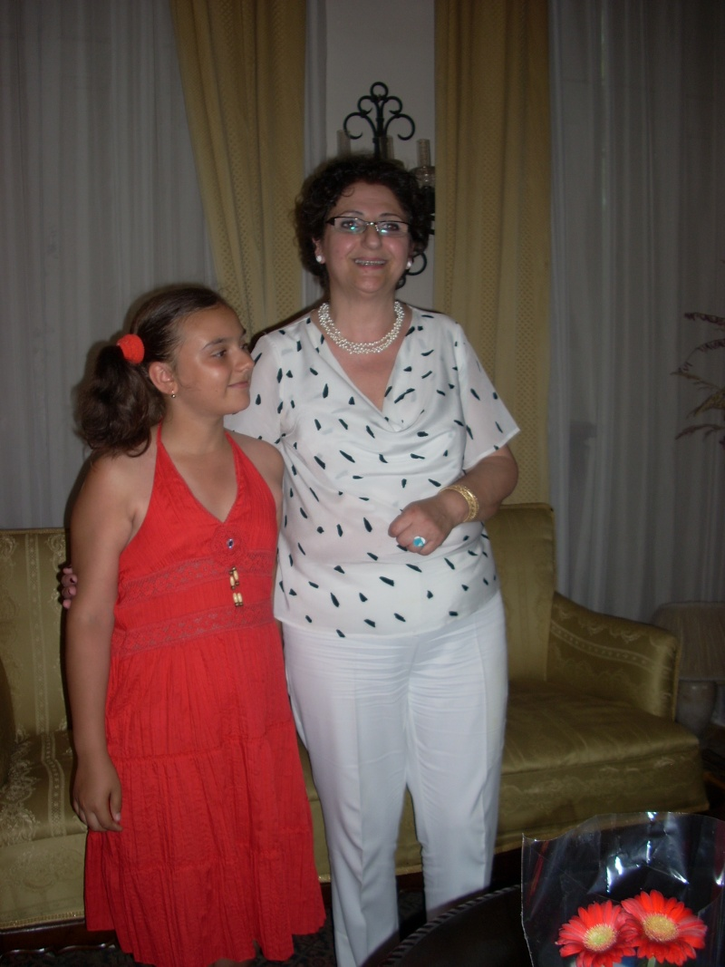 18 iunie 2011-Sedinta a XIV A Cenaclului U.P.-Lansare de carte Marioara Visan si Silvia Goteanschii,lectura publica Vasilian Dobos Cenacl81