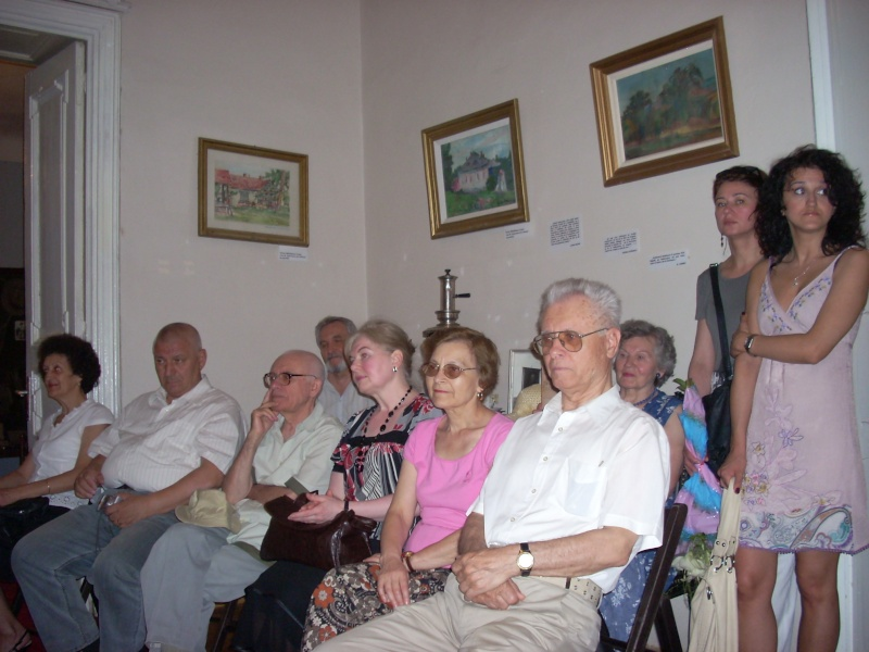 18 iunie 2011-Sedinta a XIV A Cenaclului U.P.-Lansare de carte Marioara Visan si Silvia Goteanschii,lectura publica Vasilian Dobos Cenacl84