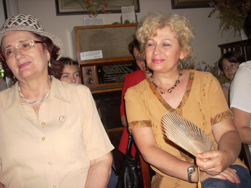 18 iunie 2011-Sedinta a XIV A Cenaclului U.P.-Lansare de carte Marioara Visan si Silvia Goteanschii,lectura publica Vasilian Dobos Cenacl85