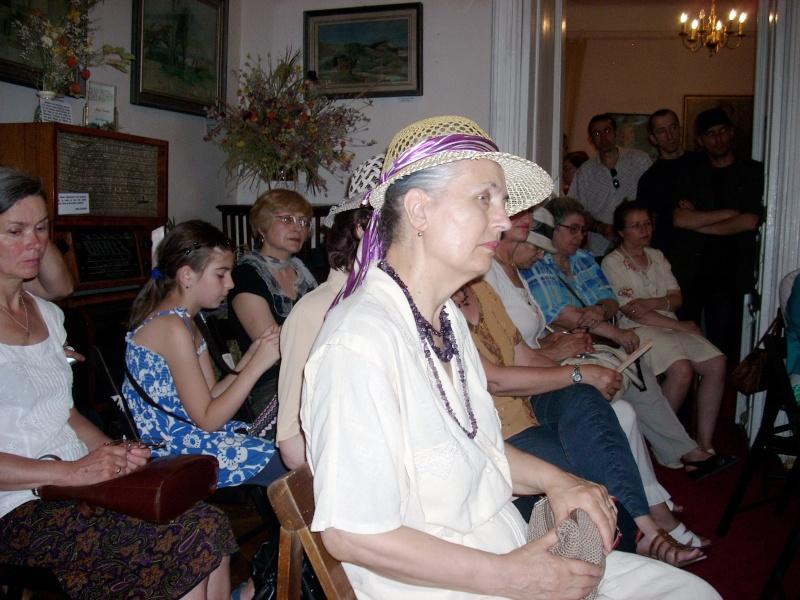 18 iunie 2011-Sedinta a XIV A Cenaclului U.P.-Lansare de carte Marioara Visan si Silvia Goteanschii,lectura publica Vasilian Dobos Cenacl88