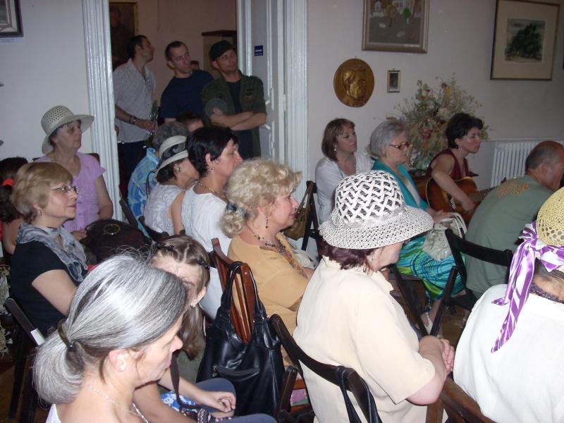 18 iunie 2011-Sedinta a XIV A Cenaclului U.P.-Lansare de carte Marioara Visan si Silvia Goteanschii,lectura publica Vasilian Dobos Cenacl91