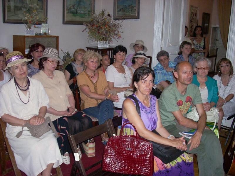 18 iunie 2011-Sedinta a XIV A Cenaclului U.P.-Lansare de carte Marioara Visan si Silvia Goteanschii,lectura publica Vasilian Dobos Cenacl94