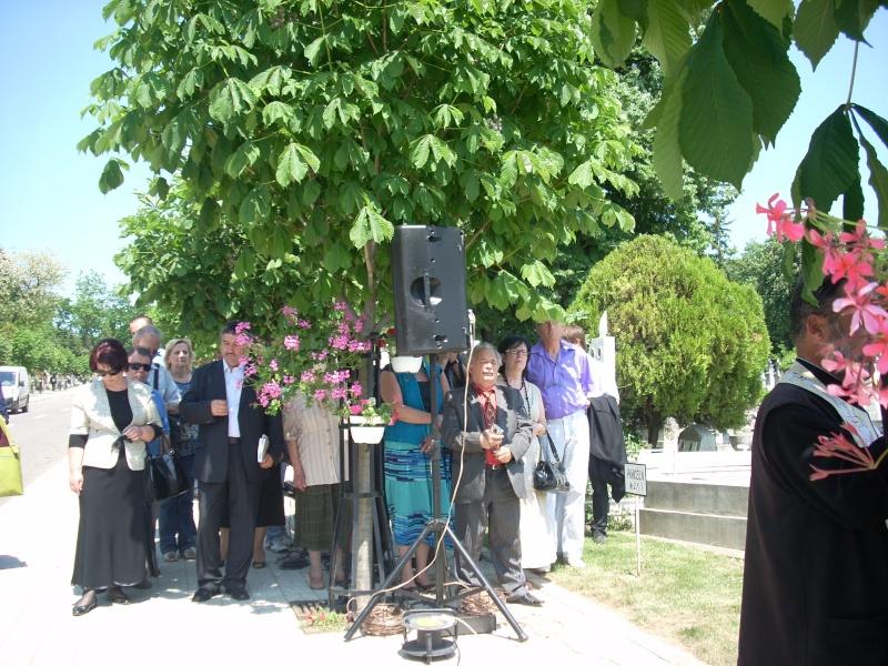 """FESTIVALUL NAŢIONAL DE POEZIE """"CEZAR IVĂNESCU""""-21 - 24 mai 2011 Cezar_20"""