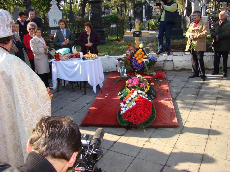 "Festivalul Internaţional de Poezie ""Grigore Vieru""-Iasi si Chisinau- editia 2010  Chisin15"