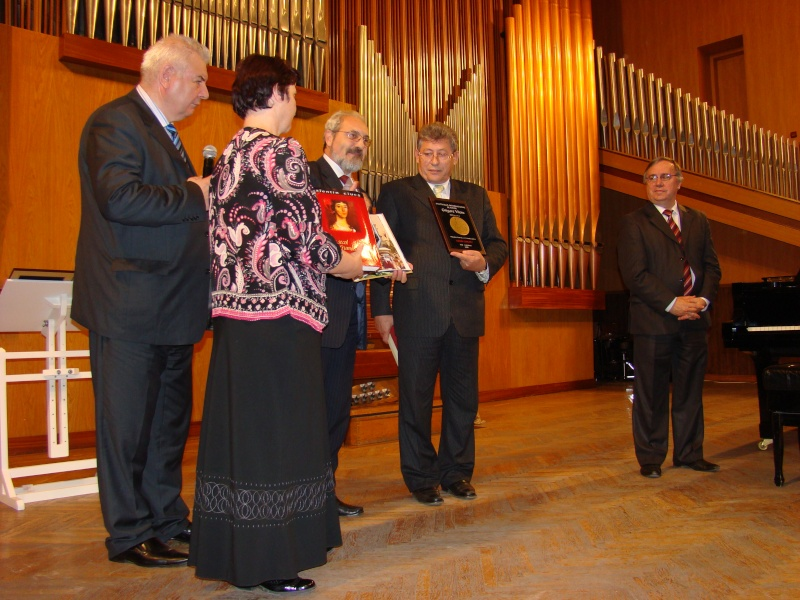 "Festivalul Internaţional de Poezie ""Grigore Vieru""-Iasi si Chisinau- editia 2010  Chisin51"