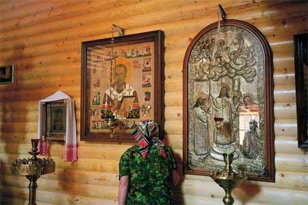 """""""Zoia cea de piatra """"- minunea Sfantului Nicolae din anul 1956 si filmul rusesc """"Minunea-Chudo"""" care evoca aceasta intamplare reala Clip_116"""