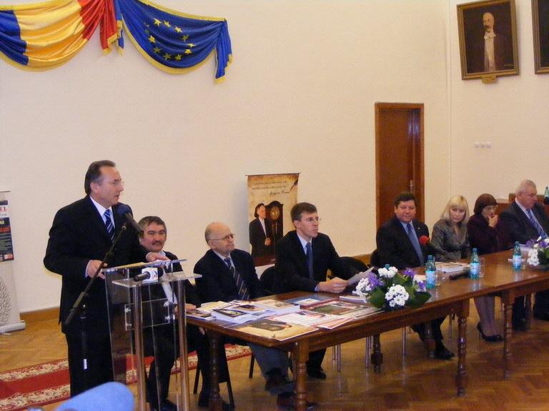 """Festivalul Internaţional de Poezie """"Grigore Vieru""""-Iasi si Chisinau- editia 2010  Clip_511"""