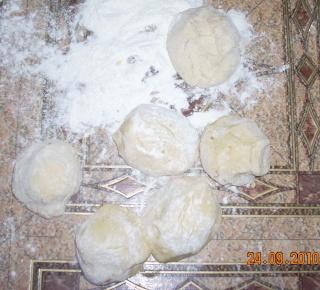 Dulciuri rapide,prajituri de frupt si de post si alte deserturi traditionale Cnedle16