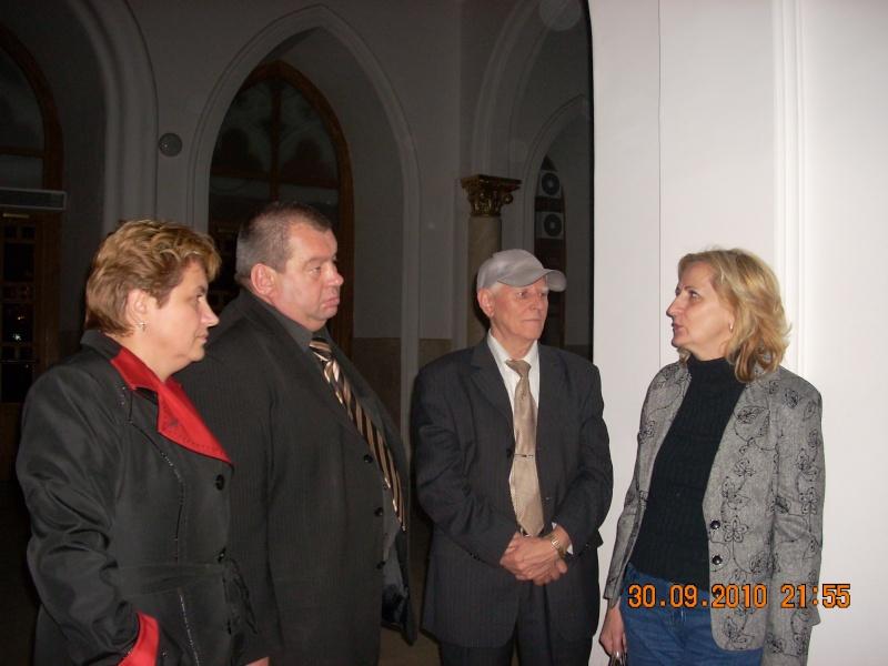 "Intalnire cu membri ai Societatii pentru Cultura Romaneasca ""Mihai Eminescu"" din regiunea Cernauti si cu alti romani basarabeni Divers12"