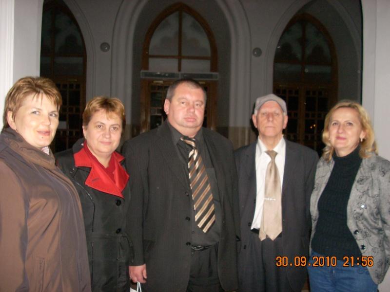 "Intalnire cu membri ai Societatii pentru Cultura Romaneasca ""Mihai Eminescu"" din regiunea Cernauti si cu alti romani basarabeni Divers14"