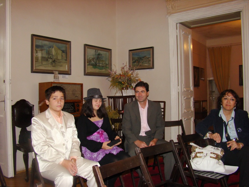 11 septembrie 2010 -Sedinta a V-a a Cenaclului U.P-Lansare de carte-Treizeci si cinci-Ovidiu Raul Vasiliu Dsc00110