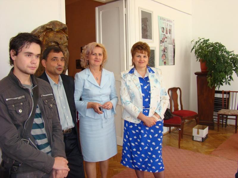 11 septembrie 2010 -Sedinta a V-a a Cenaclului U.P-Lansare de carte-Treizeci si cinci-Ovidiu Raul Vasiliu Dsc00113