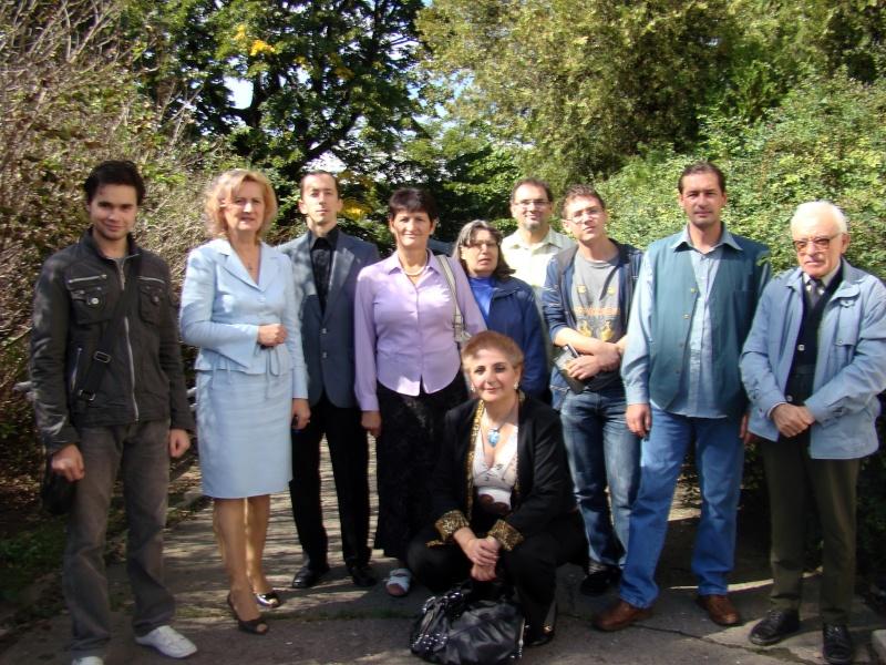 11 septembrie 2010 -Sedinta a V-a a Cenaclului U.P-Lansare de carte-Treizeci si cinci-Ovidiu Raul Vasiliu Dsc00213