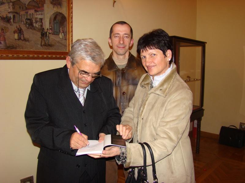 Scriitorul şi cărţile sale-Emilian Marcu-08 octombrie 2010 Dsc00226
