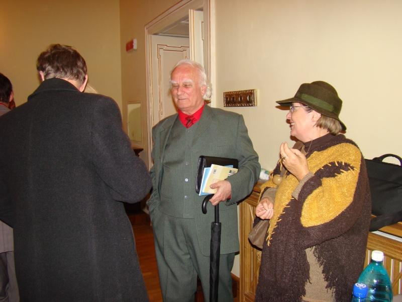 Scriitorul şi cărţile sale-Emilian Marcu-08 octombrie 2010 Dsc00247