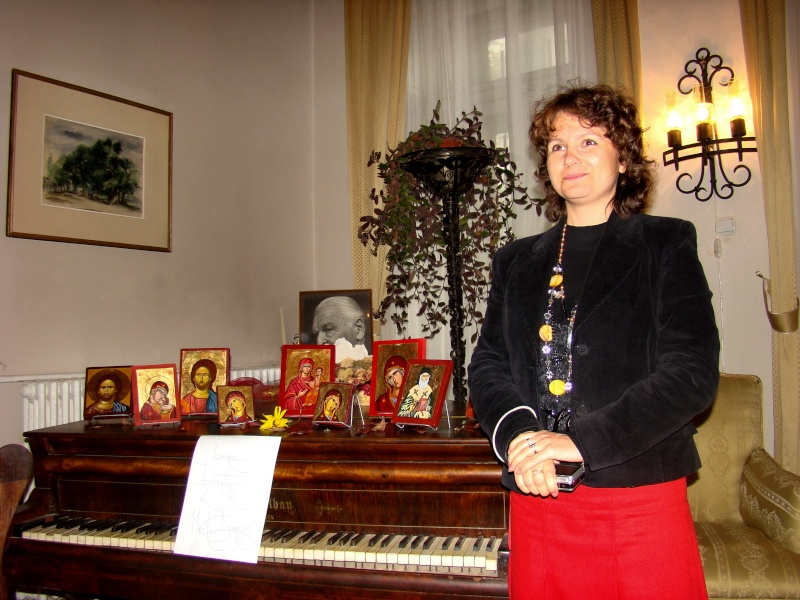 09 octombrie 2010 - Sedinta a VI-a a Cenaclului Universul Prieteniei Dsc00311