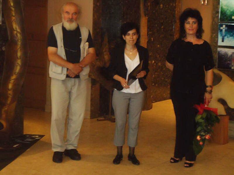 Vernisaj expozitie de pictura si sculptura -Liliana Nastas Brătescu/Ioan Croitor Brădescu-Dialog Metaforic-9-19 iunie 2011 Brasov Dsc01110