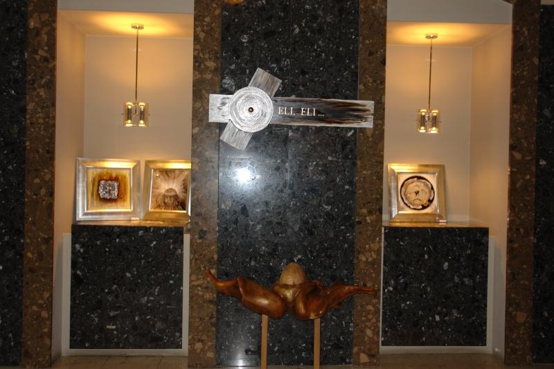 Vernisaj expozitie de pictura si sculptura -Liliana Nastas Brătescu/Ioan Croitor Brădescu-Dialog Metaforic-9-19 iunie 2011 Brasov Dsc05620