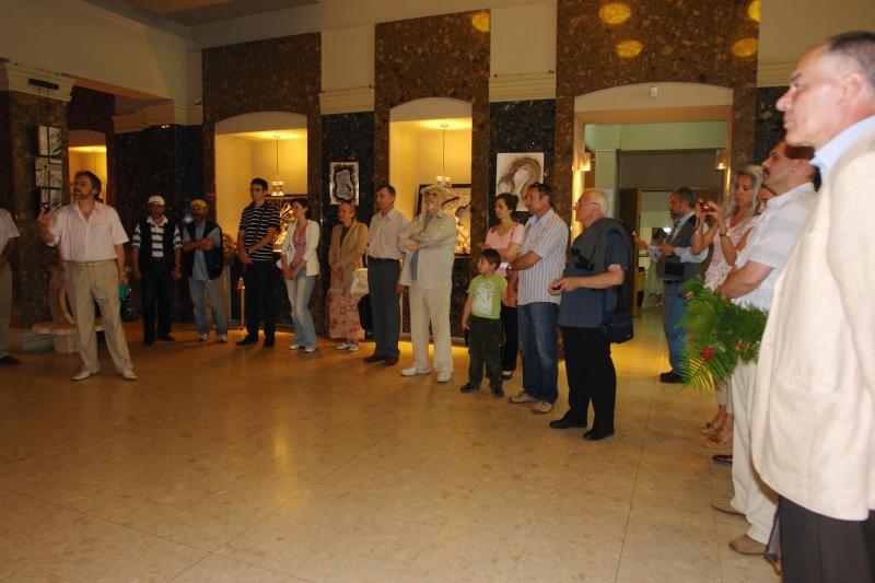 Vernisaj expozitie de pictura si sculptura -Liliana Nastas Brătescu/Ioan Croitor Brădescu-Dialog Metaforic-9-19 iunie 2011 Brasov Dsc05623