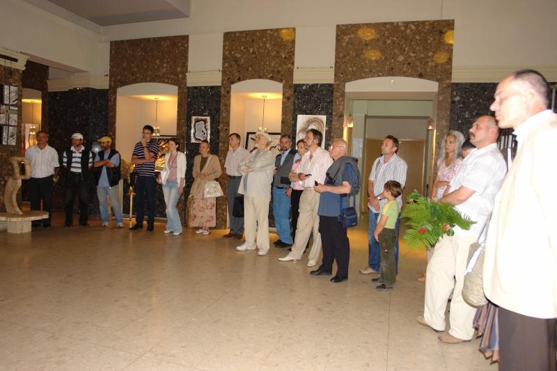 Vernisaj expozitie de pictura si sculptura -Liliana Nastas Brătescu/Ioan Croitor Brădescu-Dialog Metaforic-9-19 iunie 2011 Brasov Dsc05624